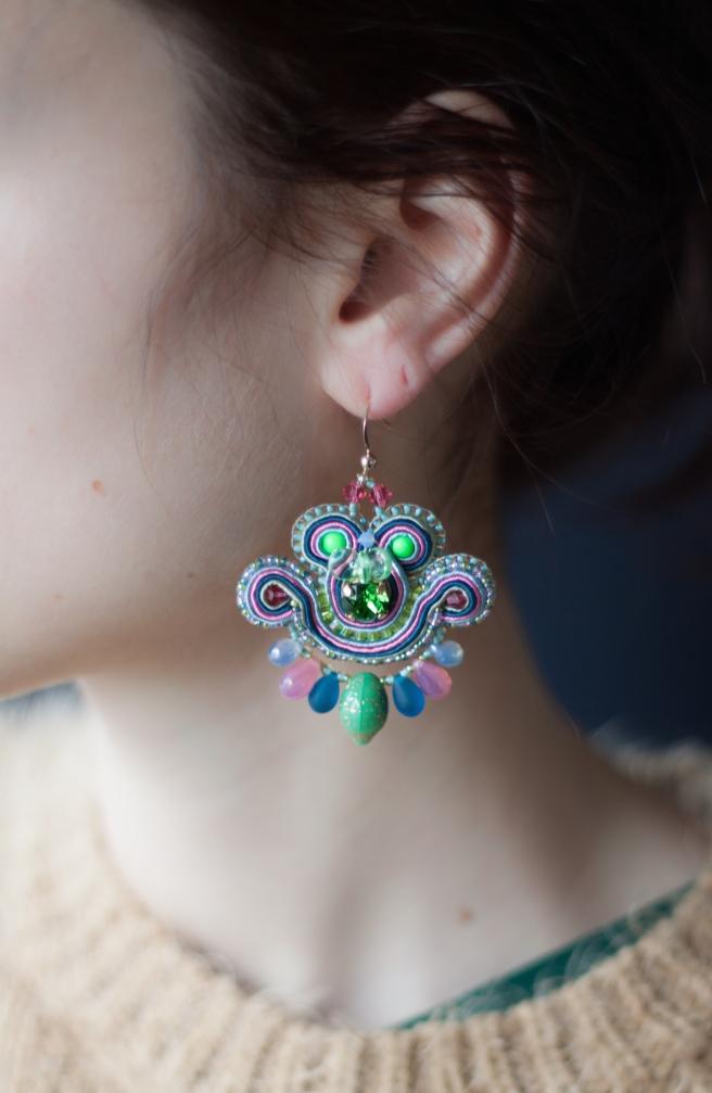 dissident sheep bijoux brodés haute couture mini earrings Friday Night 1 (1 sur 1)
