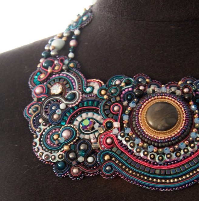 dissident sheep bijoux brodés haute couture Commande personnelle Galaxy Aline 2 (1 sur 1)