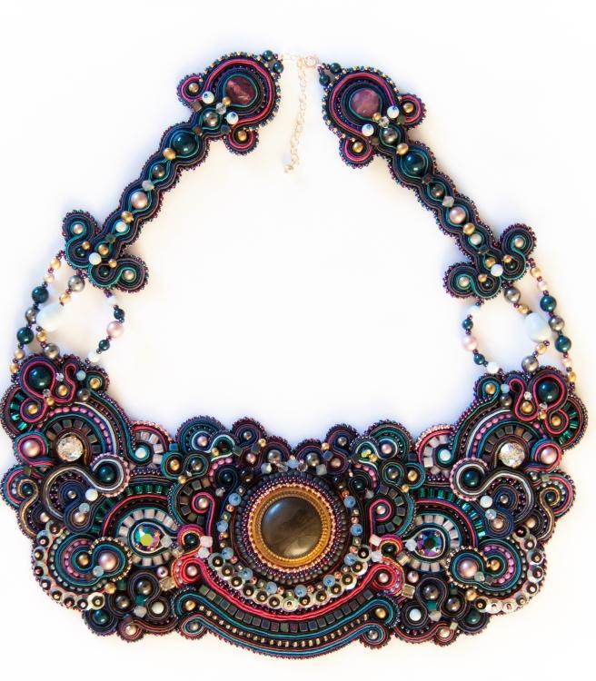 dissident sheep bijoux brodés haute couture Commande personnelle Galaxy Aline 3 (1 sur 1)